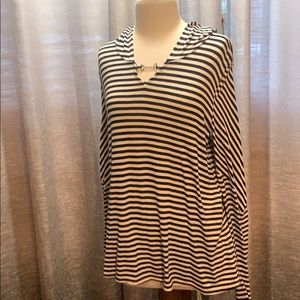 Ladies striped hooded top size Xl navy and white